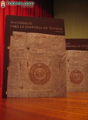 Materiales para la historia de Totana Portada